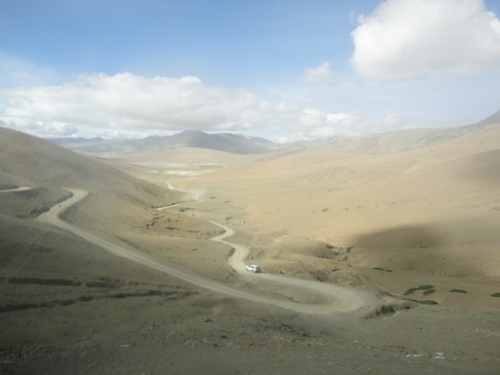 Typical mountain pass in Tibet