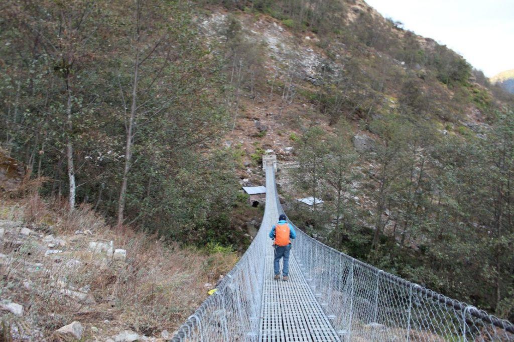 Crossing suspension bridges on route
